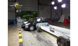 krash-test-avtomobilya-nissan-note3