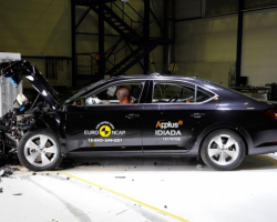 Краш-тест автомобиля Skoda Superb