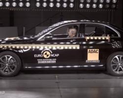 Краш-тест автомобиля Mercedes-Benz C-Class
